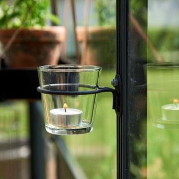 Tealights in the greenhouse – that's a cosy atmosphere