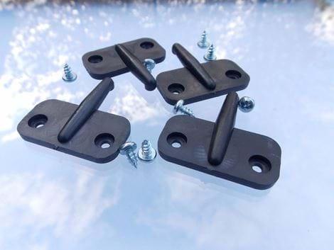 VENT STAY PEG PLASTIC ( BLACK ) - R3